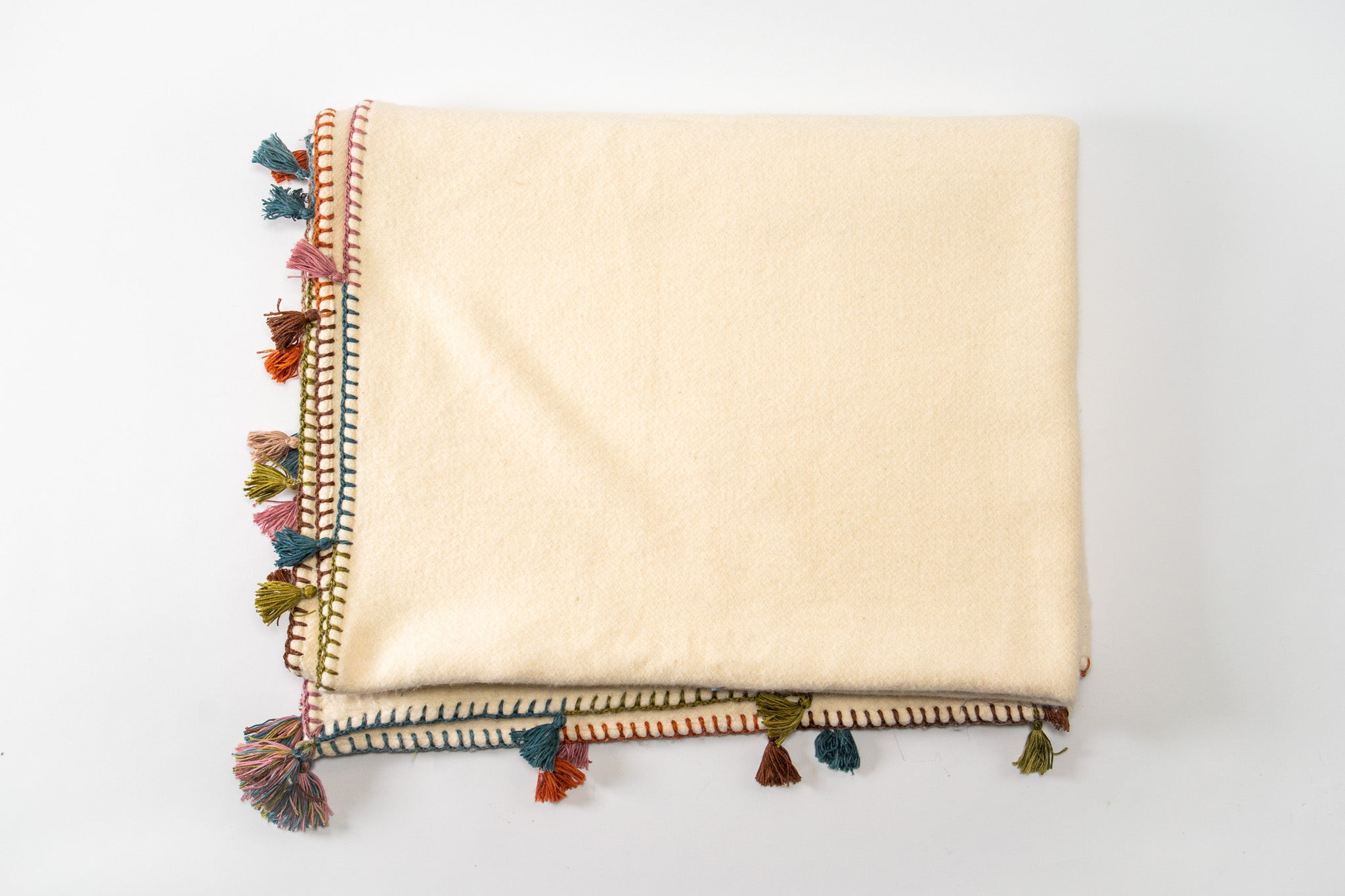 Throw: Organic cotton with hand stitched border and tassels - TH10