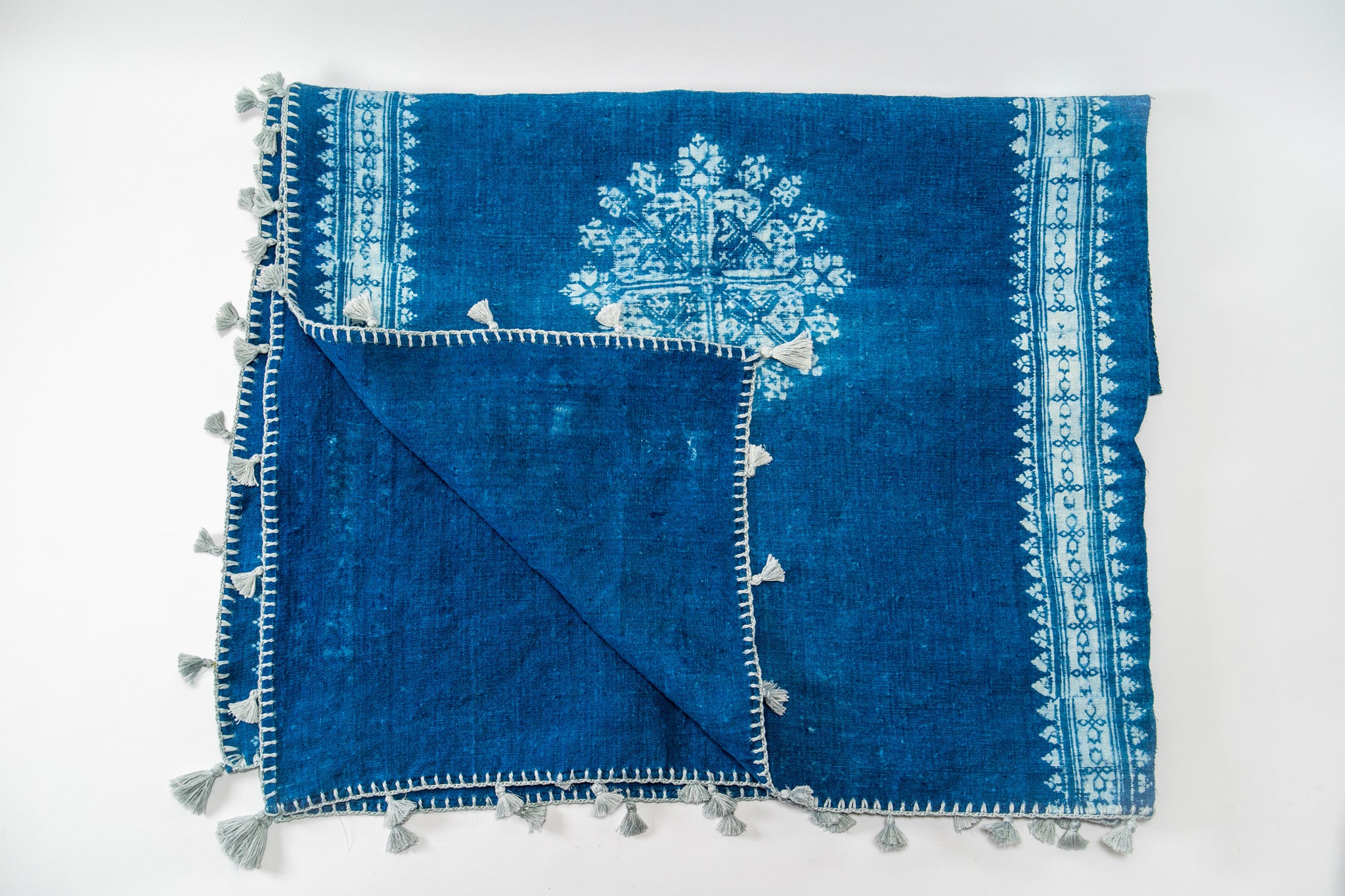Throws: Handwoven antique Hungarian hemp with Indigo pattern - TH08