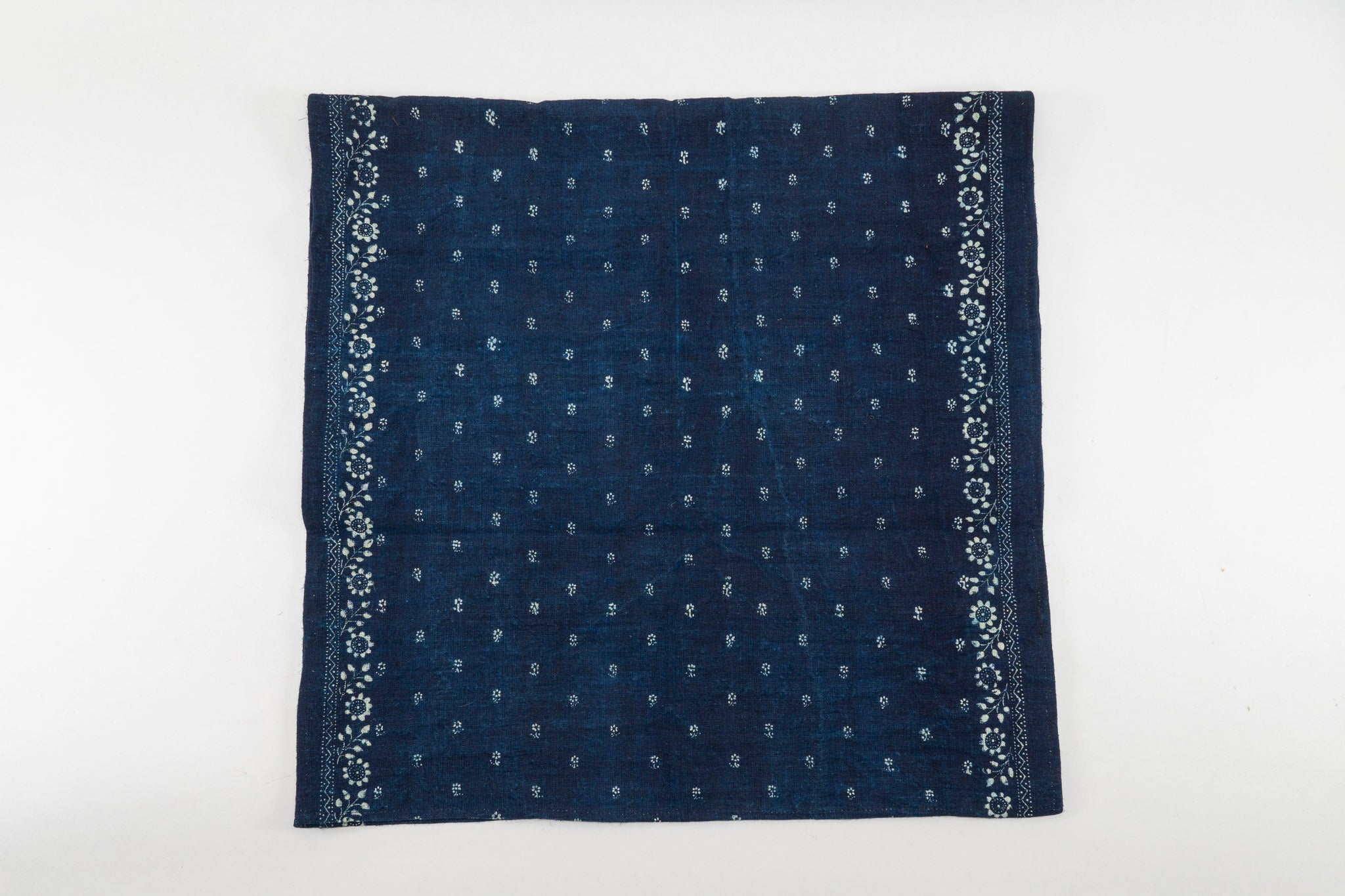 Table runner: Indigo wax resist, handwoven Hungarian hemp