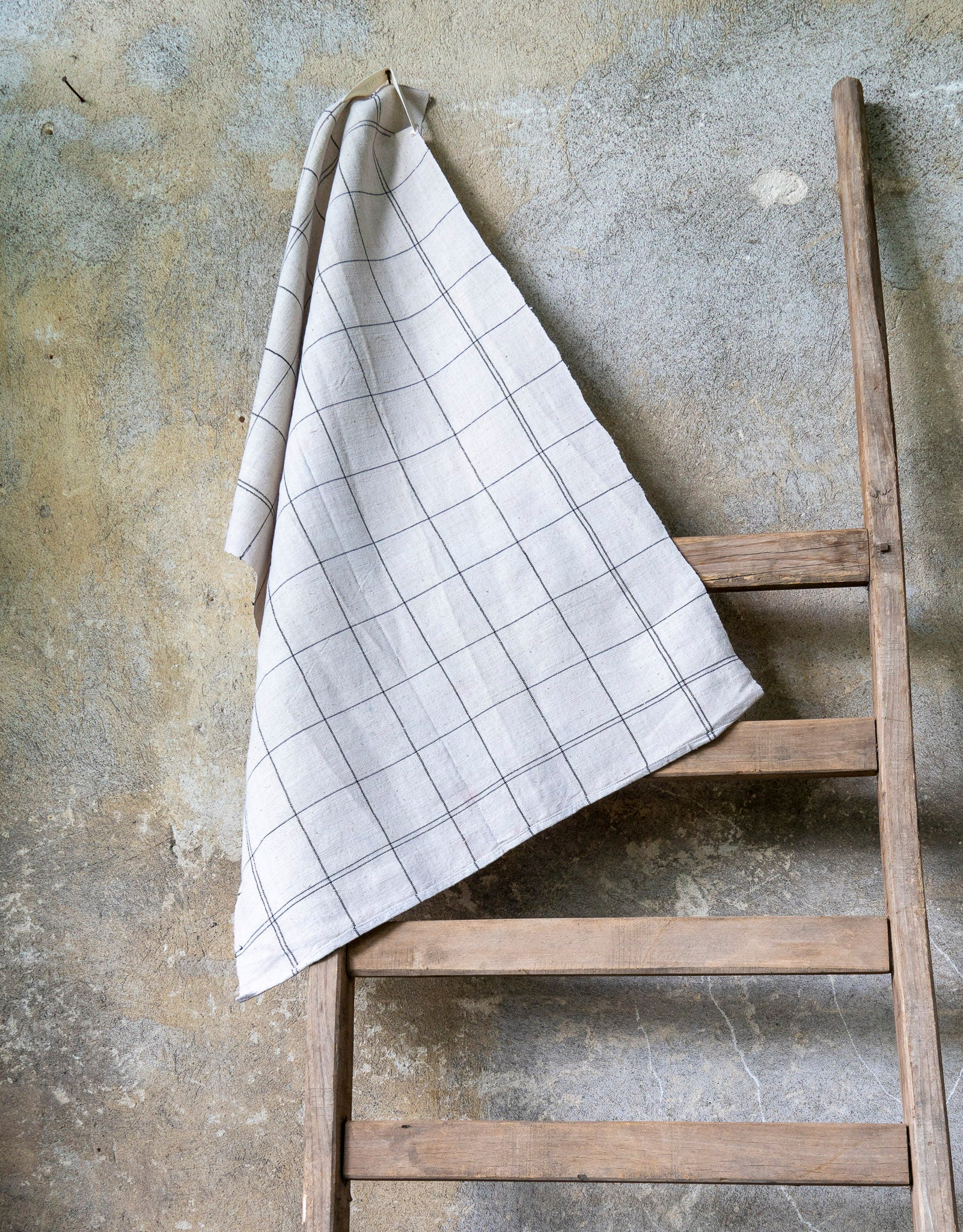 Towel: Handwoven antique Hungarian hemp - T076