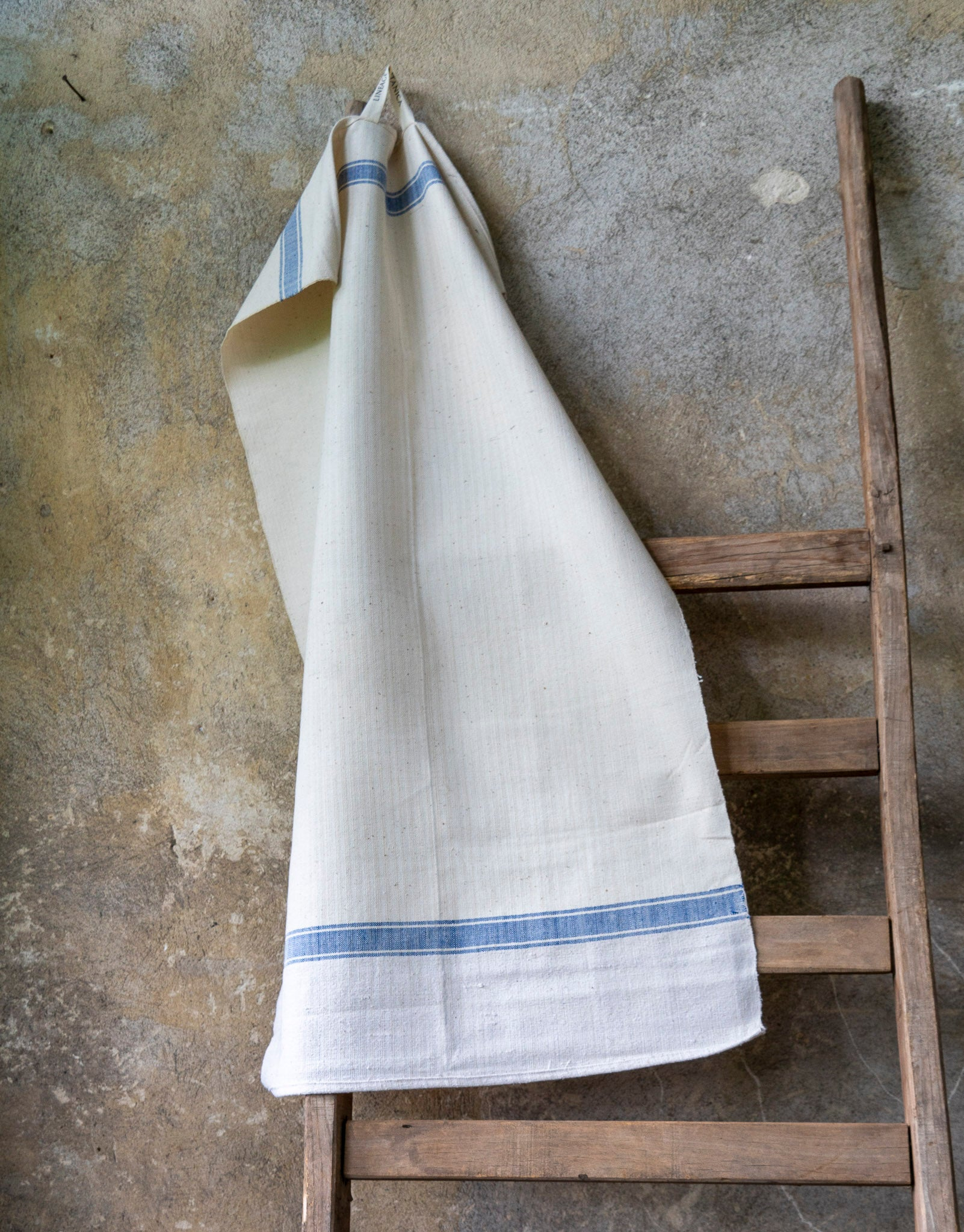Towel: Handwoven antique Hungarian cotton - T64