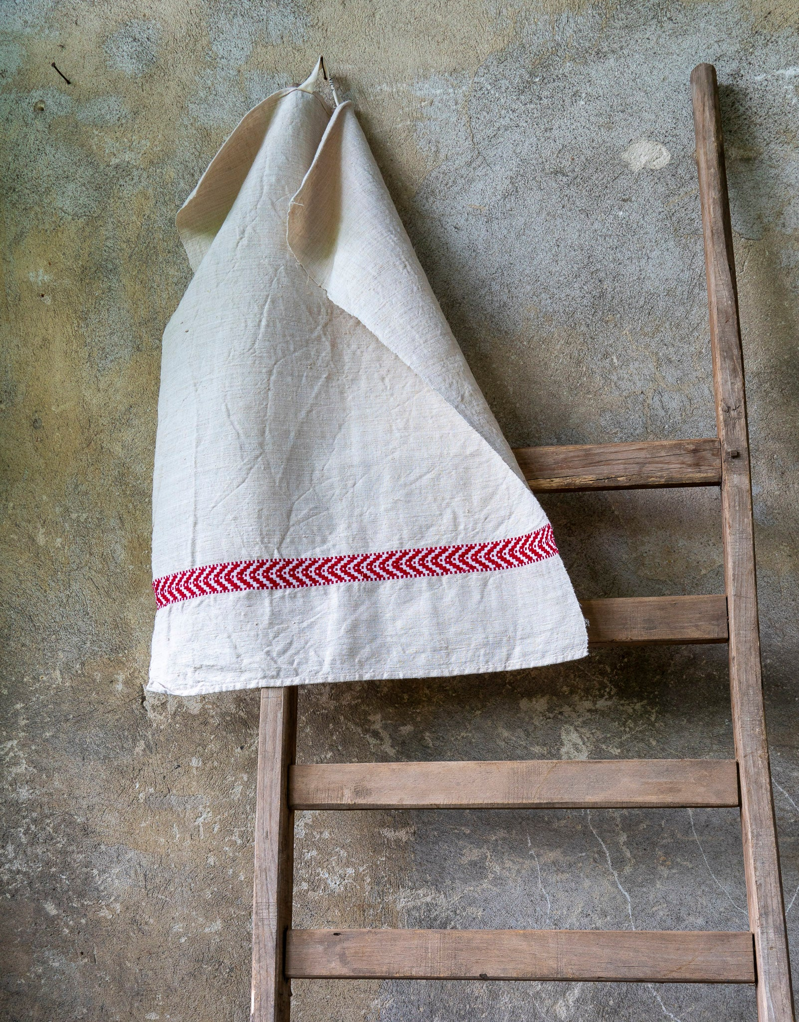 Towel: Handwoven antique Hungarian cotton and hemp - T057