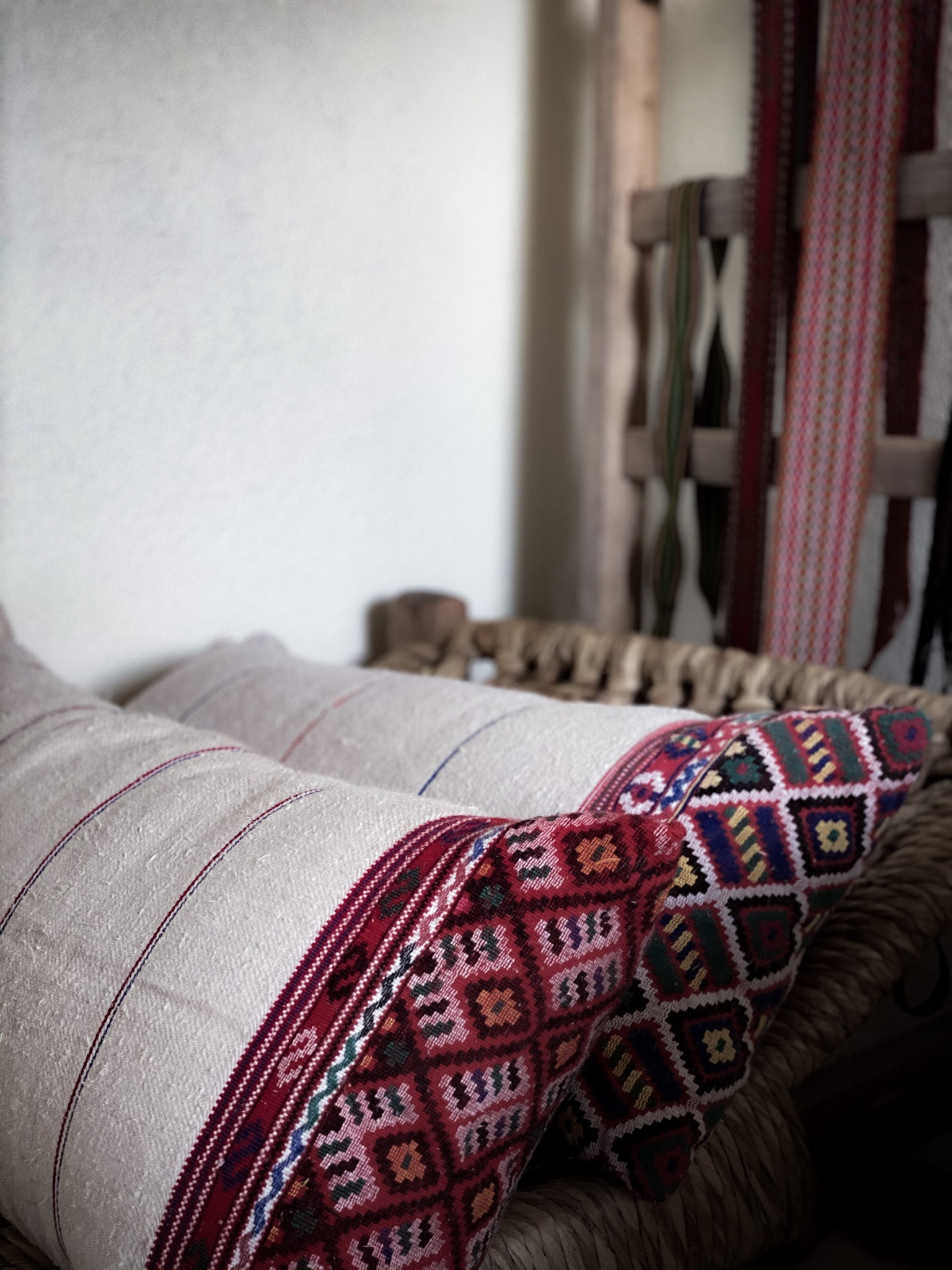Pillow: Handwoven antique Hungarian hemp - P092