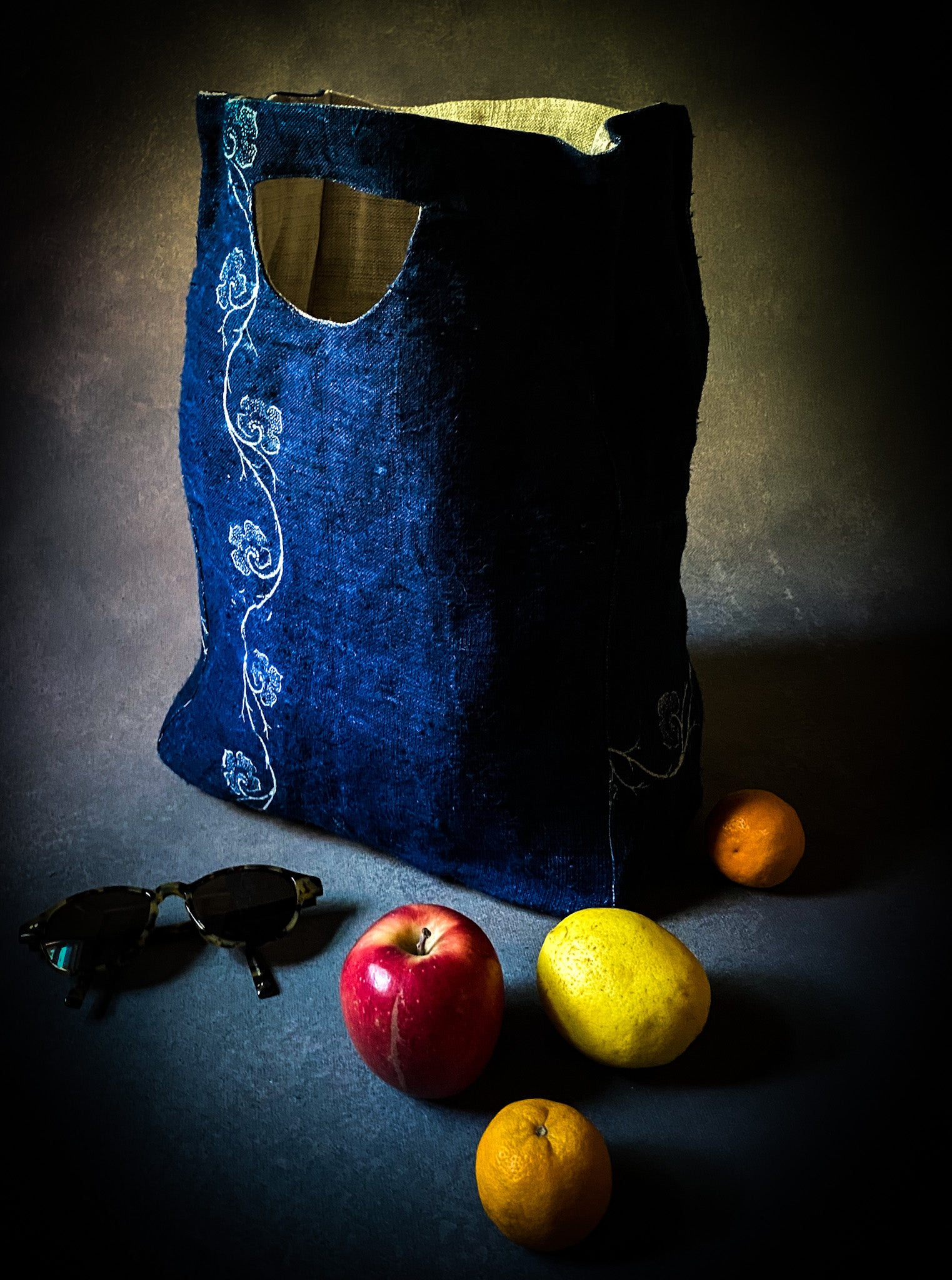 Carry Bag: Handwoven Indigo antique Hungarian hemp