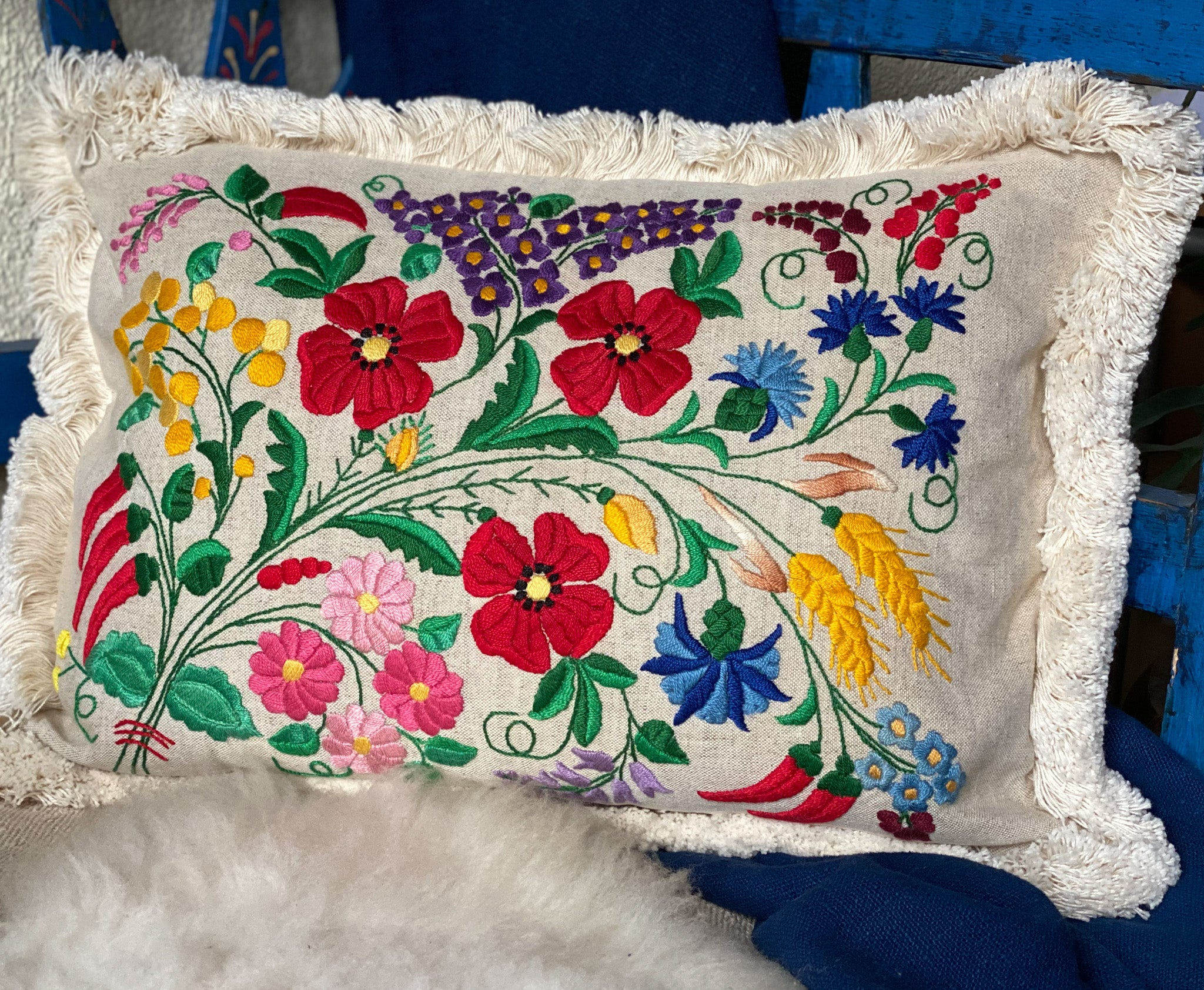 Pillow: Embroidered antique handwoven Hungarian hemp - P035
