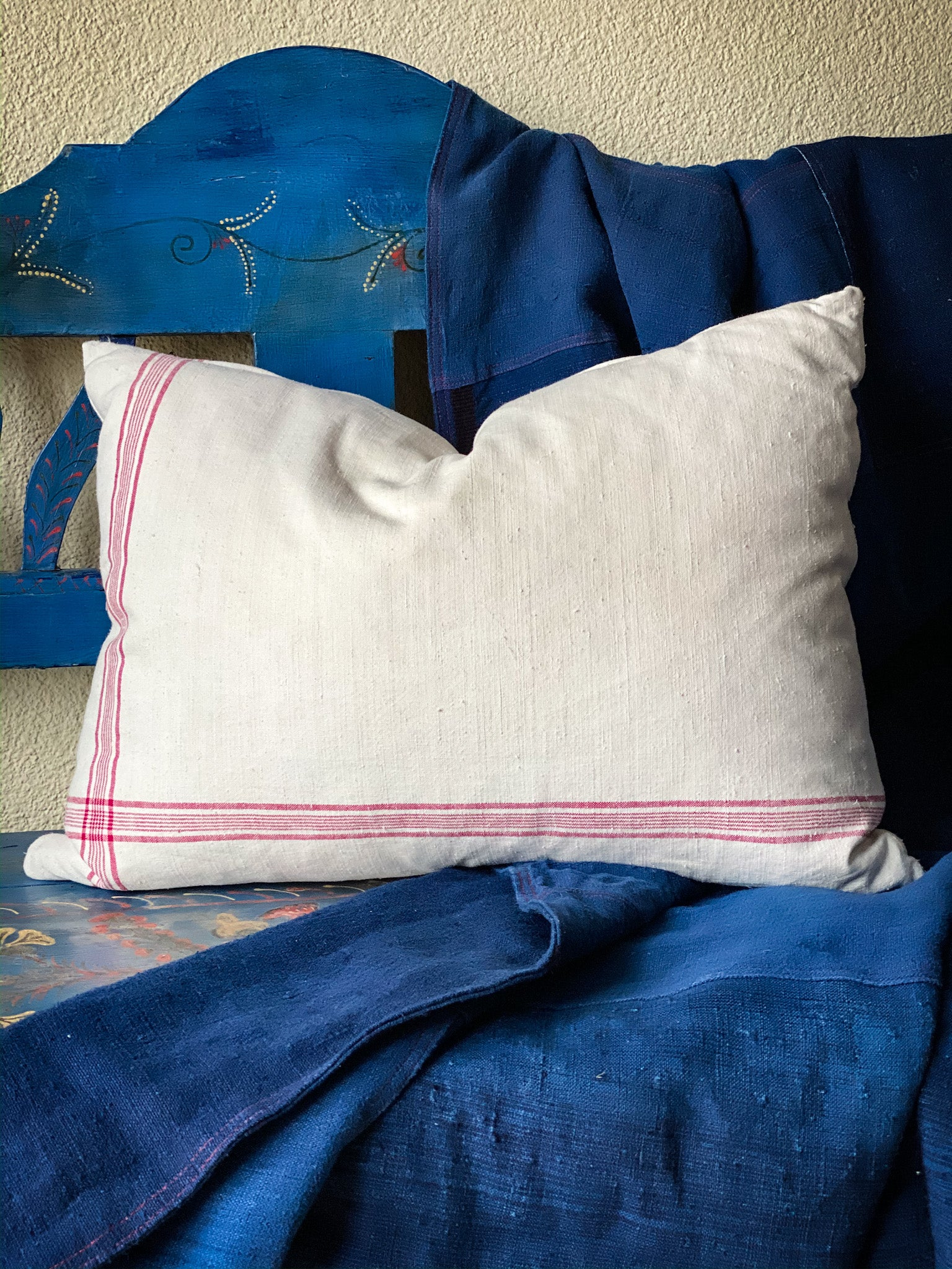 Pillow: Handwoven antique Hungarian hemp - P030