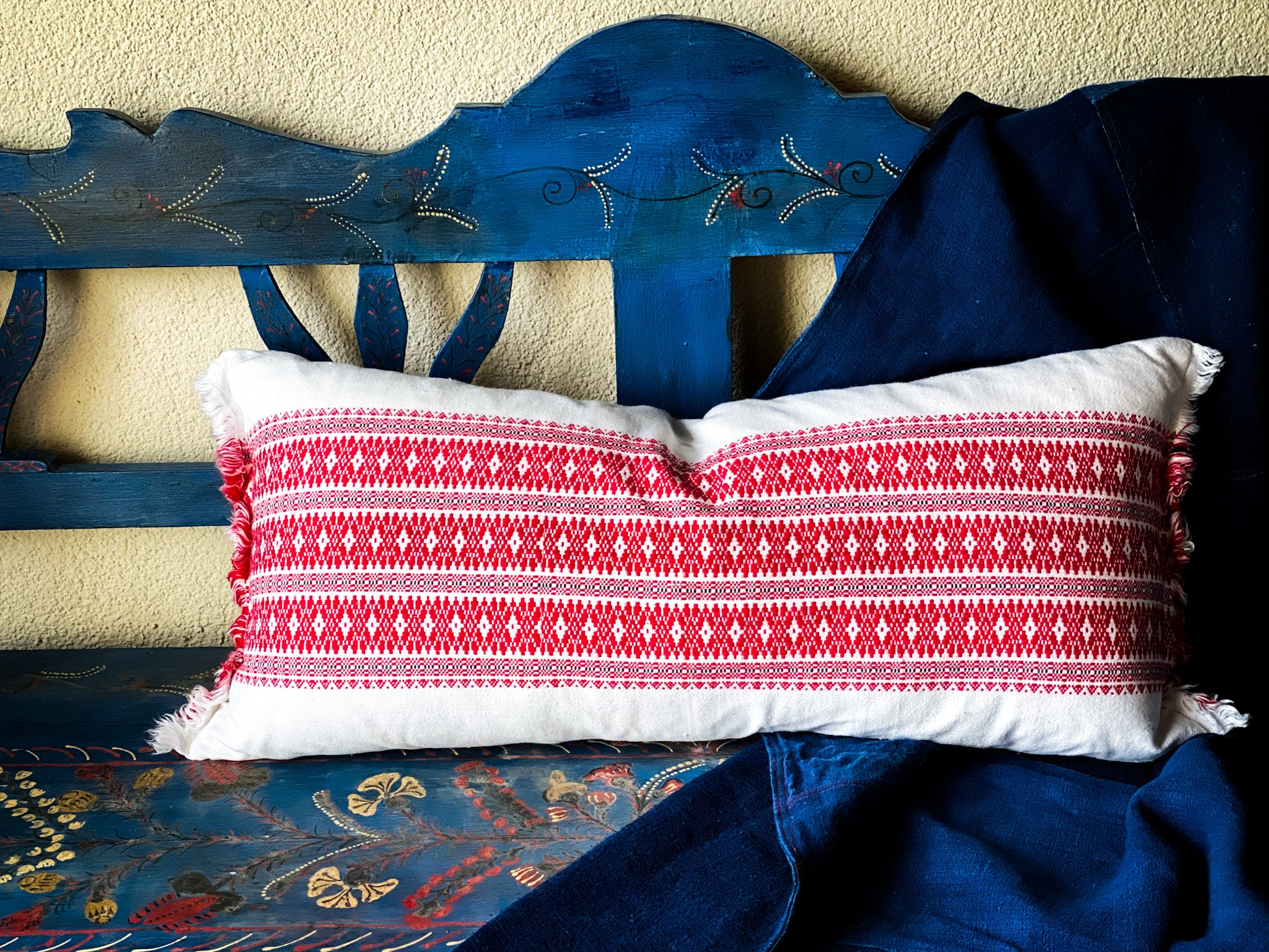 Pillow: Handwoven antique  Hungarian hemp - P081