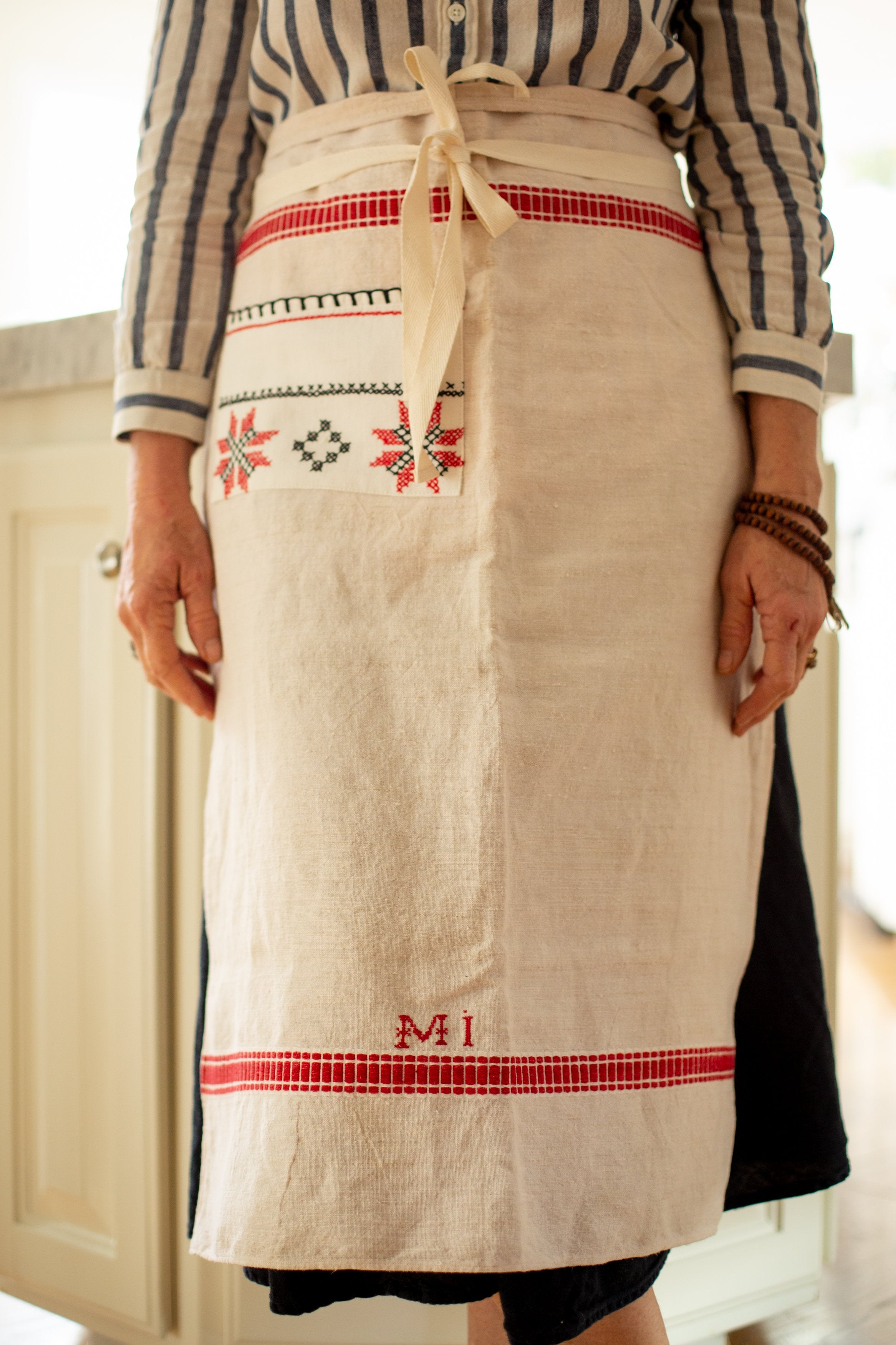 Apron: Long cafe style, vintage handwoven Hungarian hemp - A1