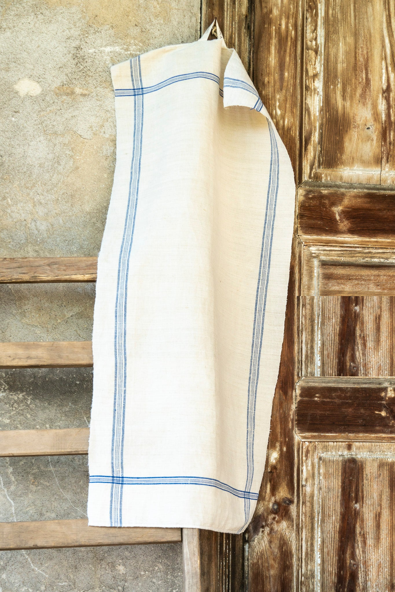 Towel: Handwoven antique Hungarian hemp - T41