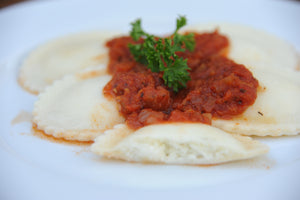 GLUTEN FREE CHEESE RAVIOLI WITH TOMATO SAUCE