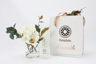 Christmas Memorable Gift Box with small arrangement and aroma spray