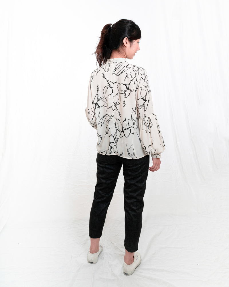 Grace Balloon-Sleeves Off-White Printed Blouse