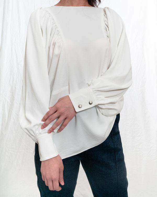 Abbey Off-White Puffy Long-Sleeves Blouse