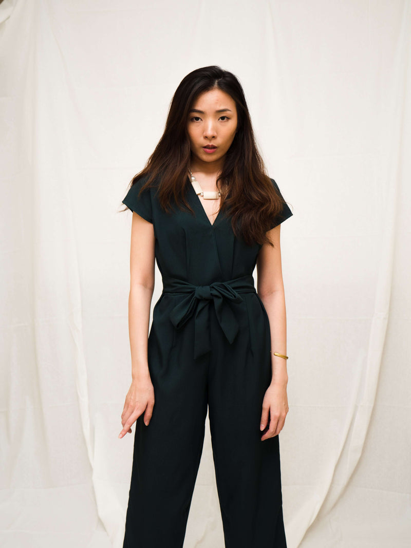 KOORDINATED DEAL - Lynda V-neck Long-Leg Jumpsuit