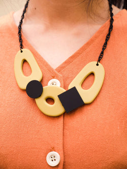 Reversible two-tone necklace