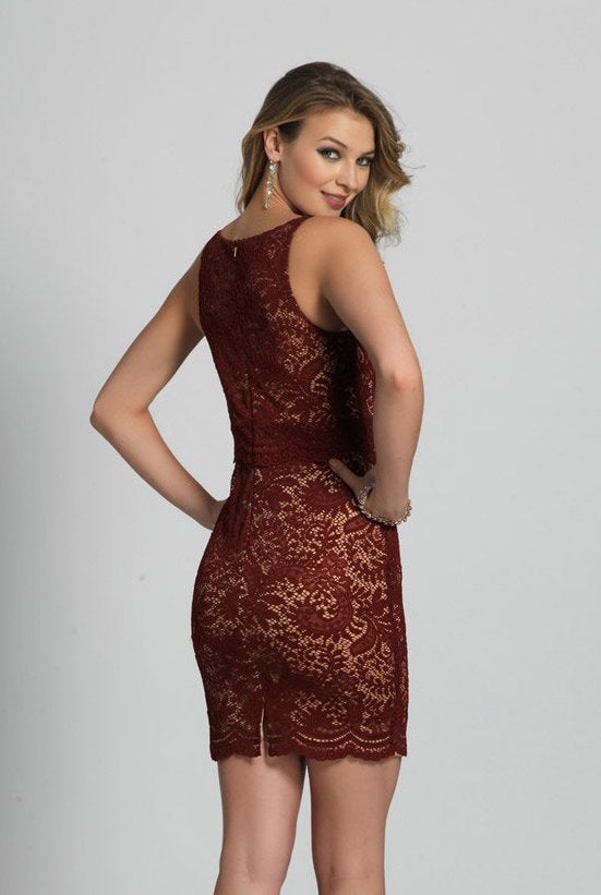 This red lace Dave and Johnny 5522 short dress has a high neckline and fitted silhouette.