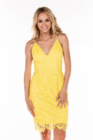 This yellow MU M27964 fitted cocktail dress is simple but will make a bold statement