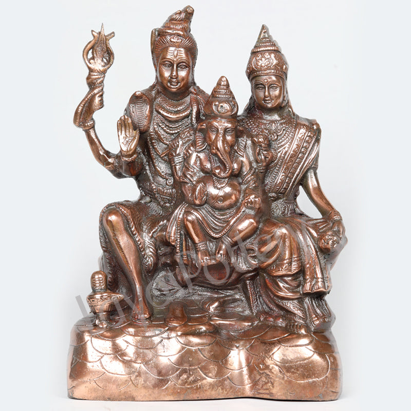 Black Metal Shivan Family Statue
