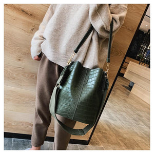 Vegan Leather Crocodile Crossbody Bag Bucket Bag Handbag - Ansloth - HPS405 - Glitzy Swan