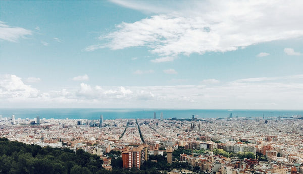 BARCELONA IN ONE DAY - TRAVEL GUIDE