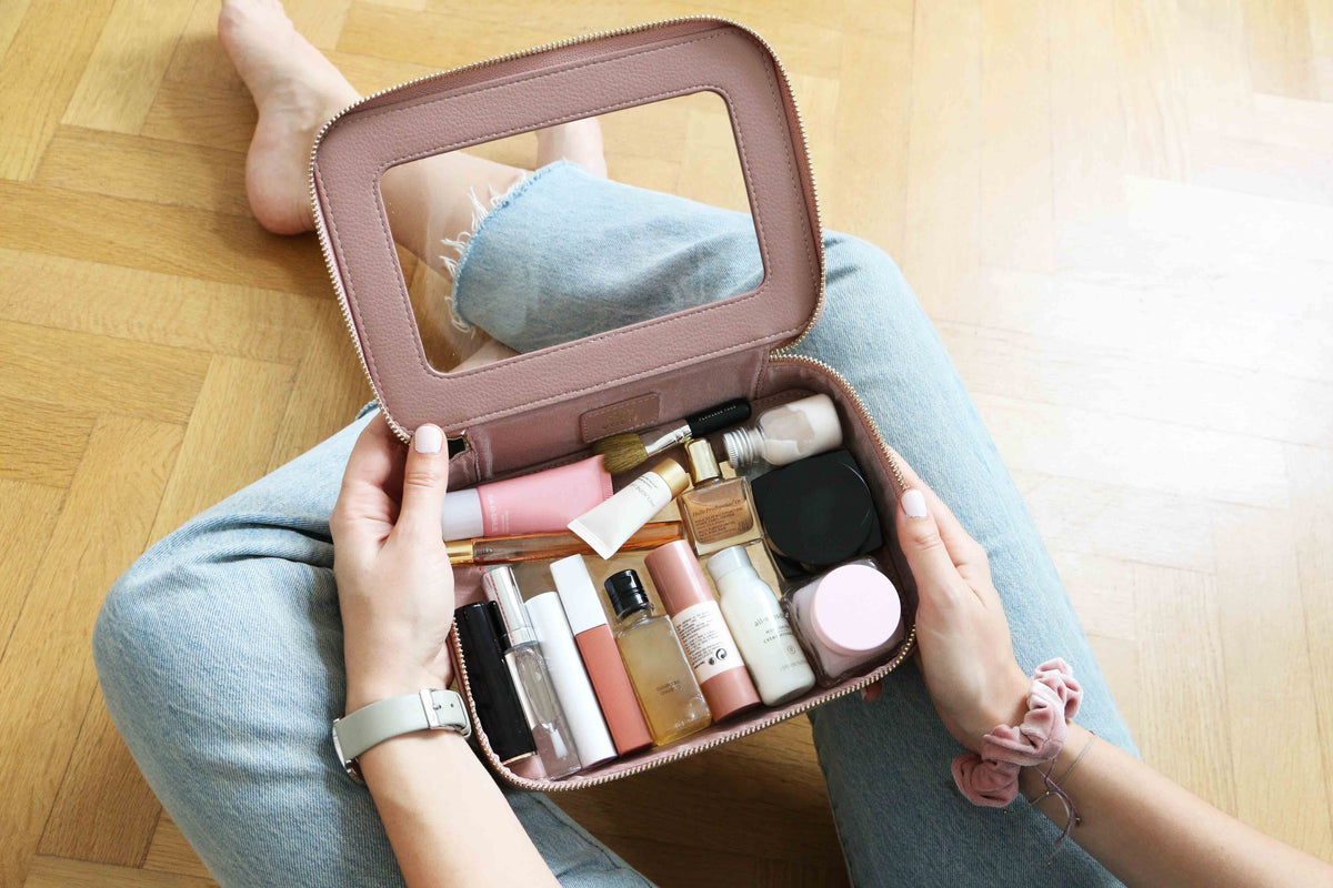 clear travel case cosmetics VOLIE