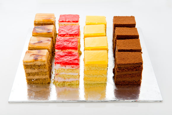 (SW45A/B) 20pc Assorted Best-selling Mini Cakes (4cm by 5cm)