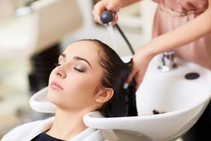 5 Crucial Things to Remember When You're In The Hair Salon