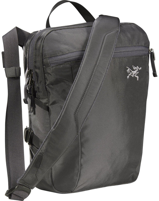 Mantis Sling pack