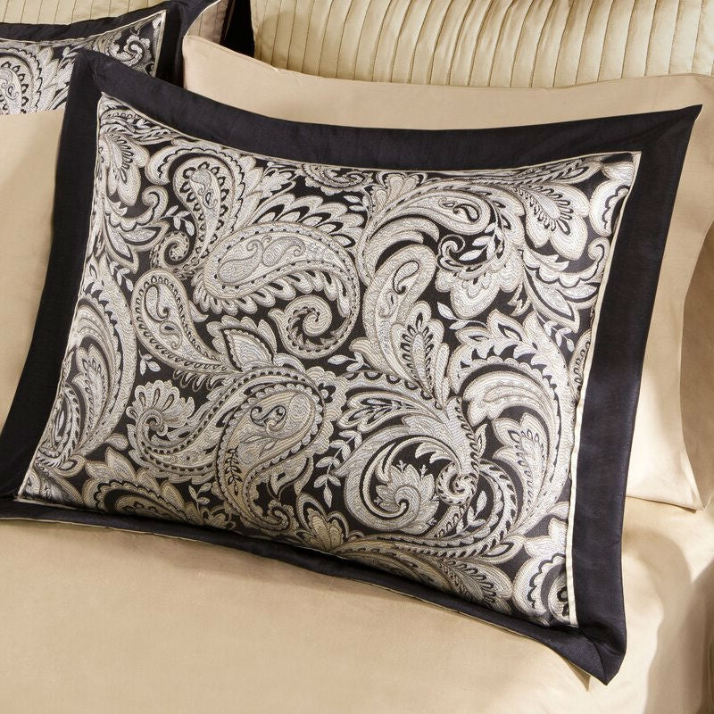 King size Cotton 12-Piece Reversible Paisley Comforter Set in Black Gold