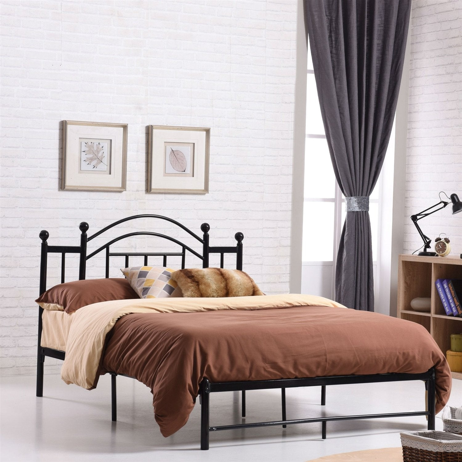 Queen size Black Metal Platform Bed Frame with Arch Style Headboard