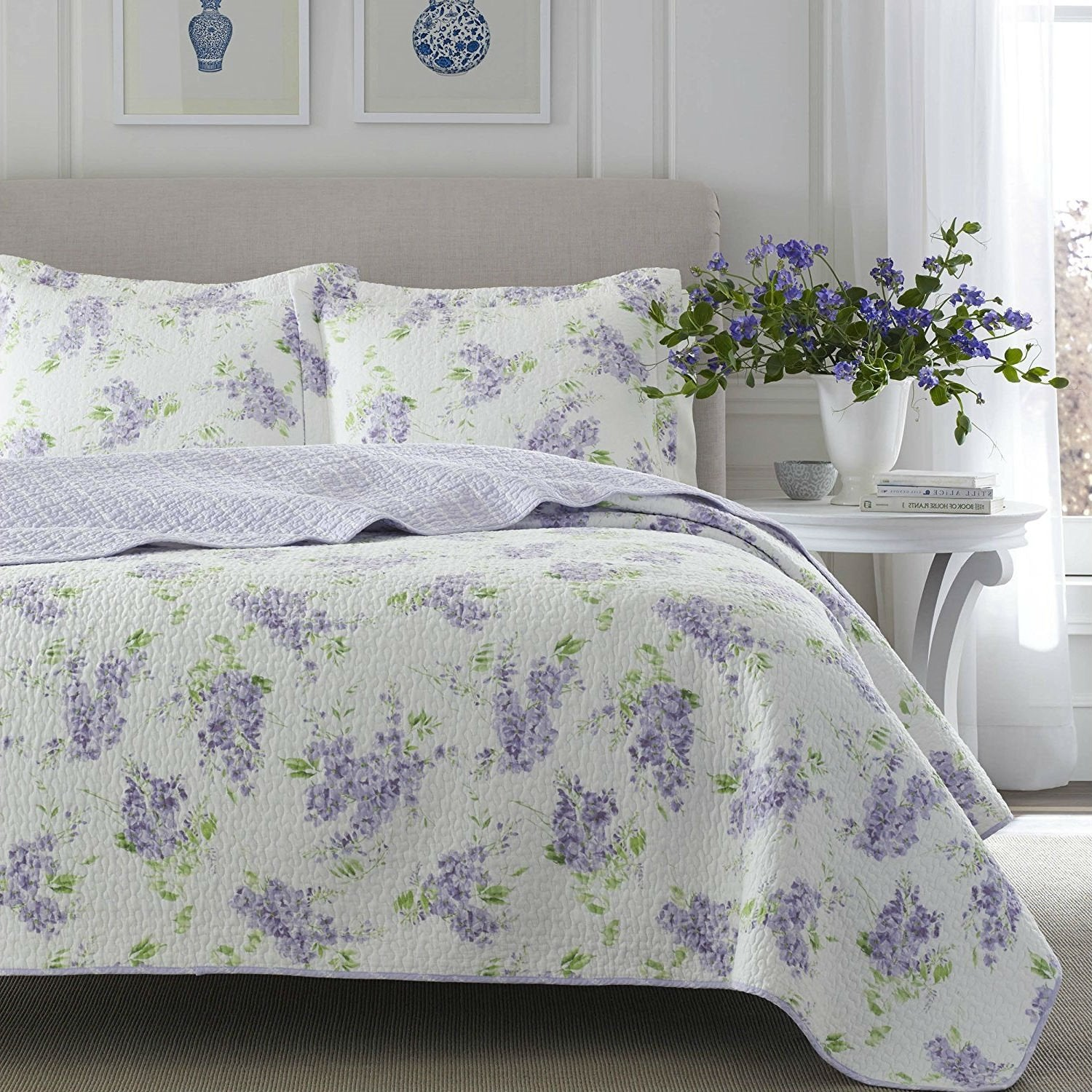 King size 3-Piece Cotton Quilt Set with Purple White Floral Pattern