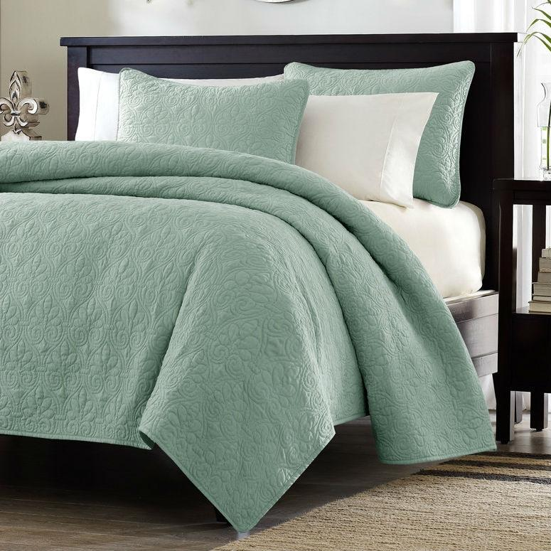 Twin XL Coverlet Quilt Set with Sham in Seafoam Blue Green