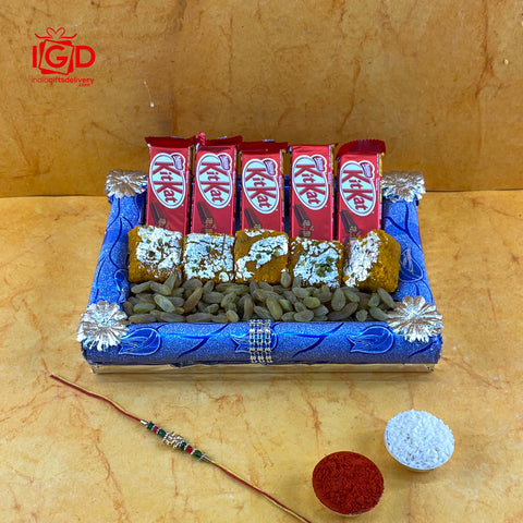 Kit Kat With Raisin & Dilkhush Chakki