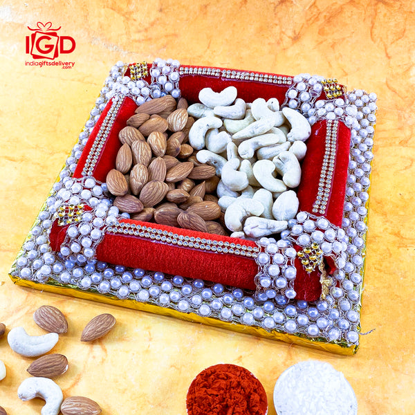 Almond & Cashews In Pearl Tray
