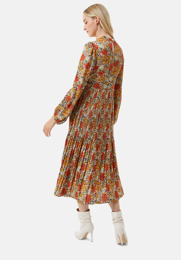 Traffic People Peephole Pleated Floral Dress in Beige Side View Image
