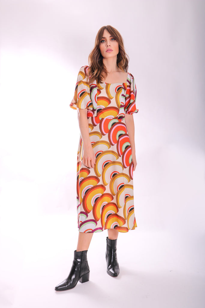 Traffic People Geometric Short Sleeve Midi Dress Front View Image