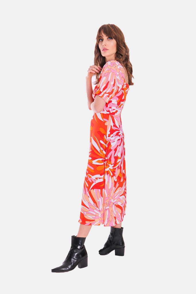 Traffic People Dandy Short Sleeve Midi Floral Dress in Red Side View Image