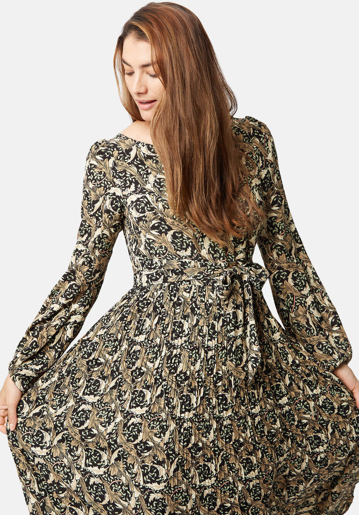 Traffic People Fathom Printed Long Sleeve Maxi Dress in Black Close Up Image