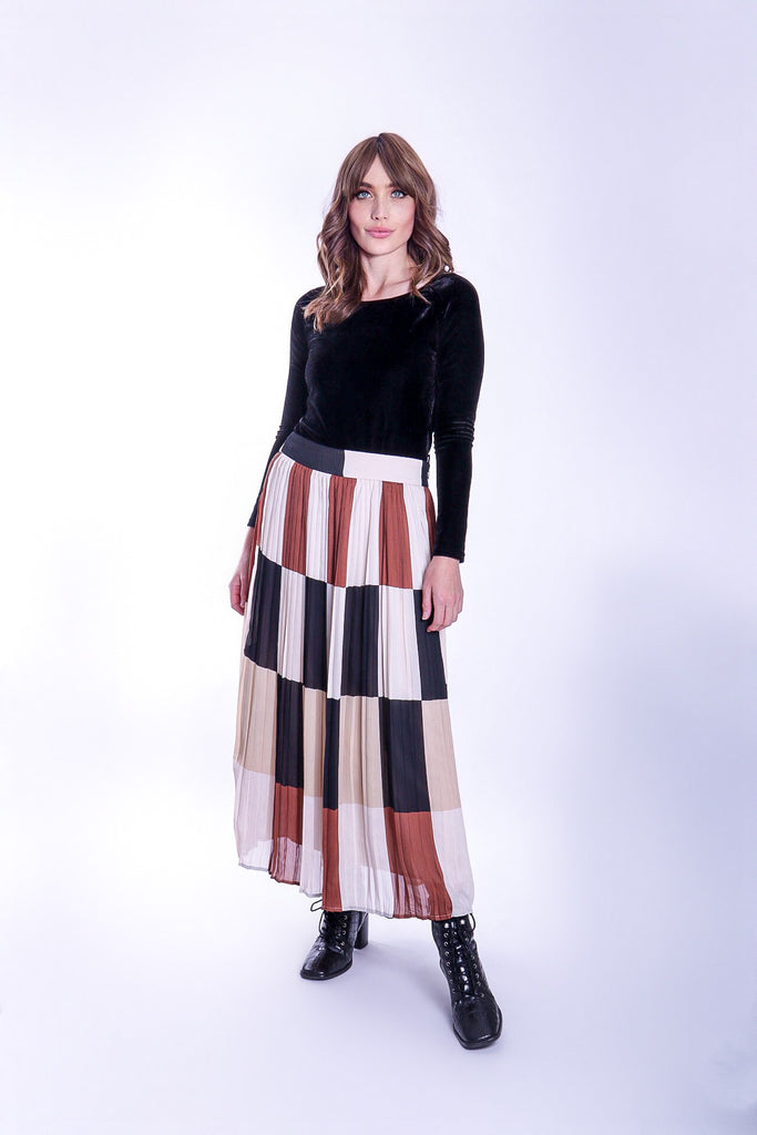 Traffic People Pleated Check Falls Midi Skirt in Brown/Cream Close Up Image