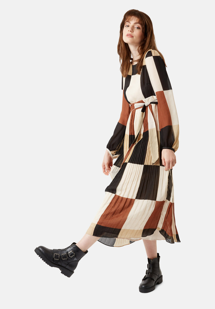 Traffic People Fathom Pleated Midi Dress in Brown/ Cream Check Front View Image