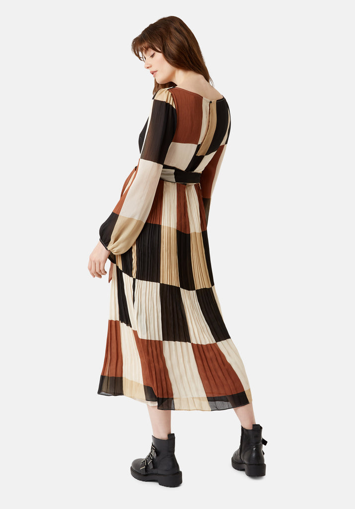 Traffic People Fathom Pleated Midi Dress in Brown/ Cream Check Side View Image