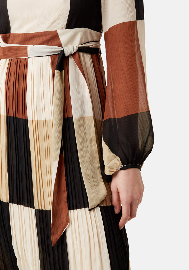 Traffic People Fathom Pleated Midi Dress in Brown/ Cream Check Close Up Image