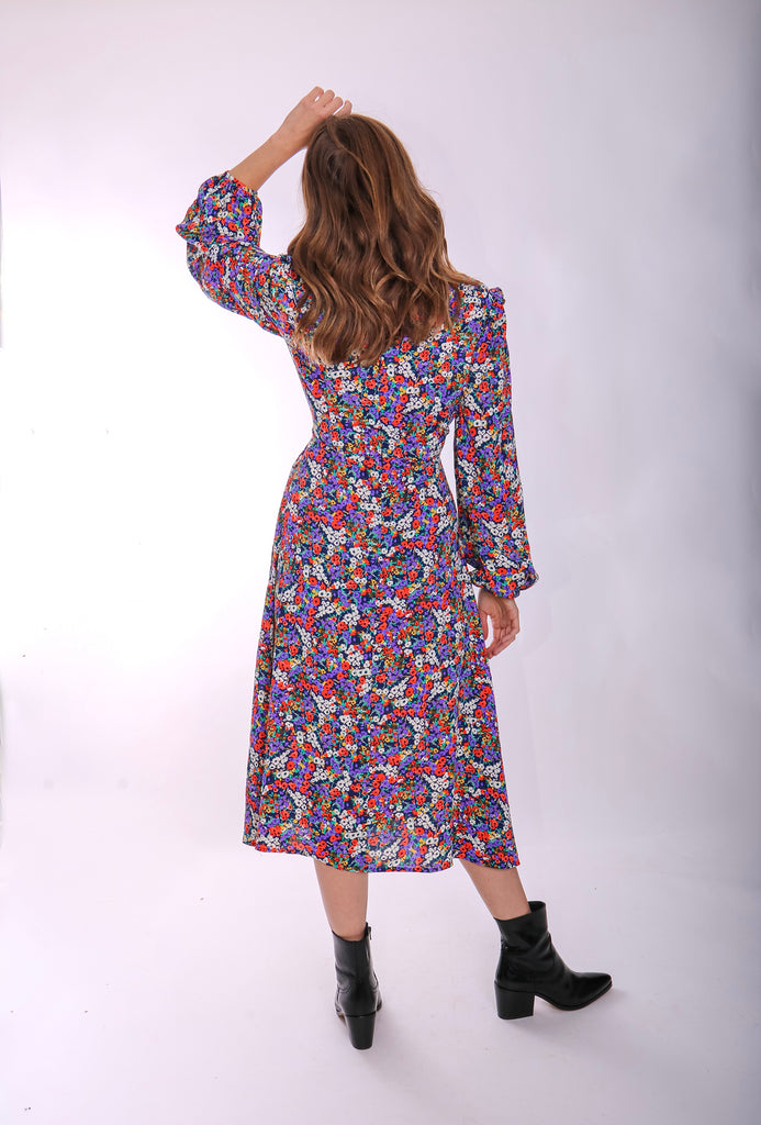 Traffic People V-neck Long Sleeve Carrie Dress in Floral Print Close Up Image