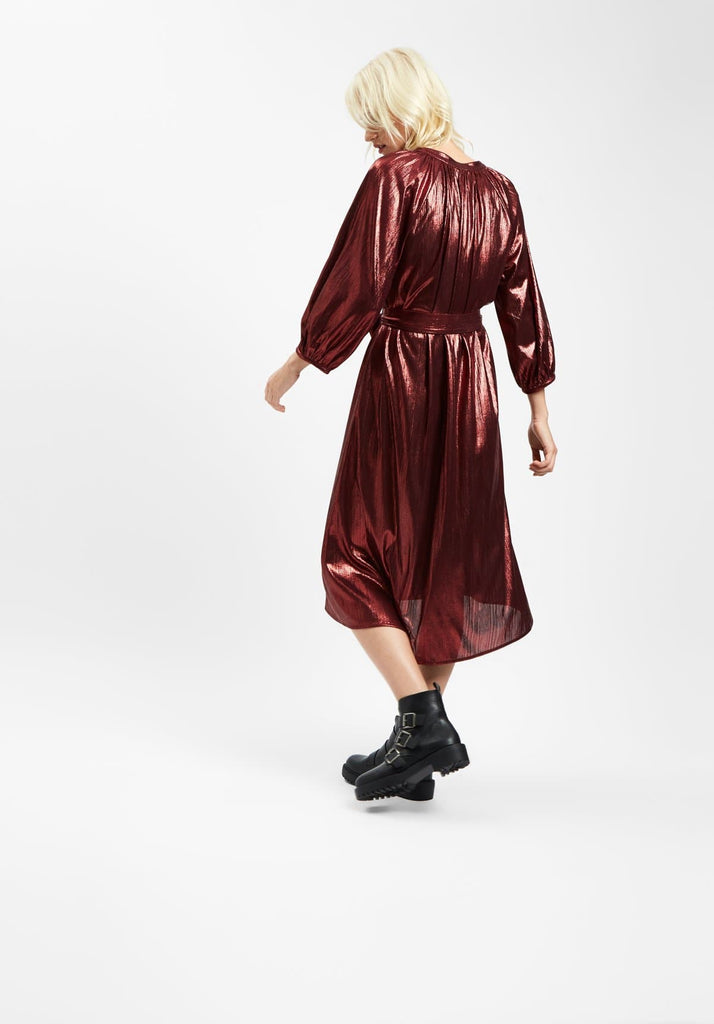 Traffic People Metallic Belt Up Midi Dress in Wine Back View Image