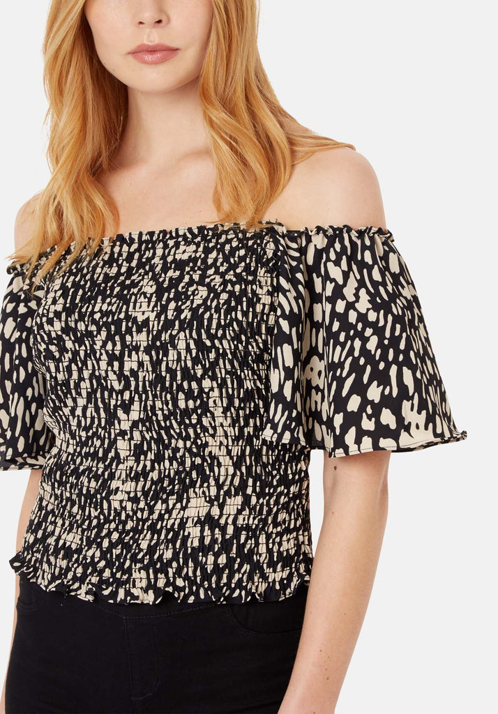 Traffic People Lolita Off the Shoulder Dot Top in Black Close Up Image