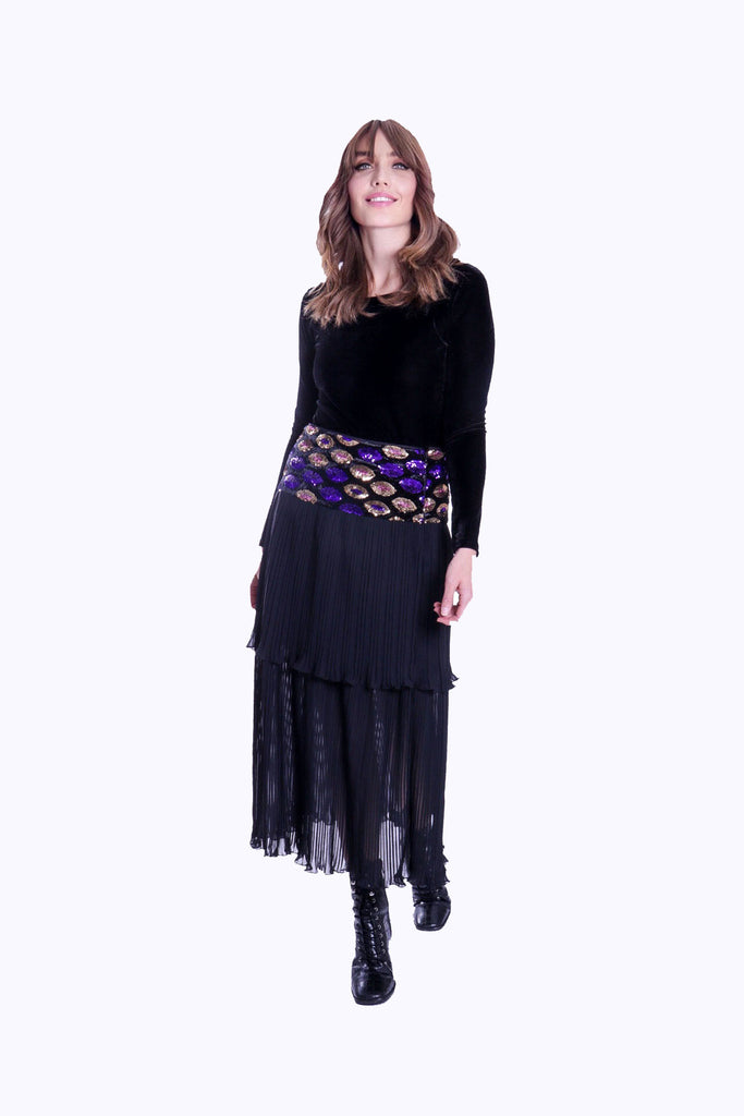 Traffic People Never Can Say Goodbye Tiered Pleated Midi Skirt in Black Close Up Image