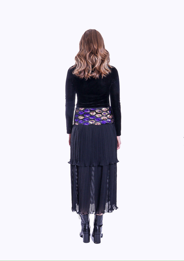 Never Can Say Goodbye Tiered Pleated Midi Skirt in Black