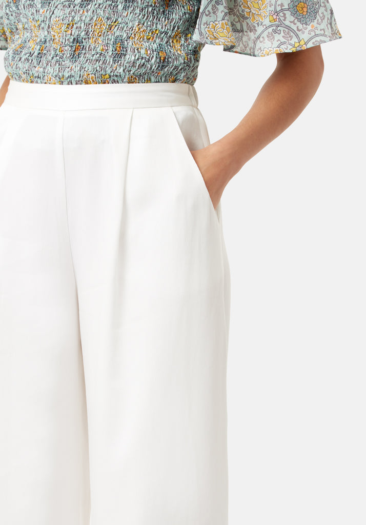 Traffic People Rouges amd Rascals Wide Leg Trousers in White Close Up Image