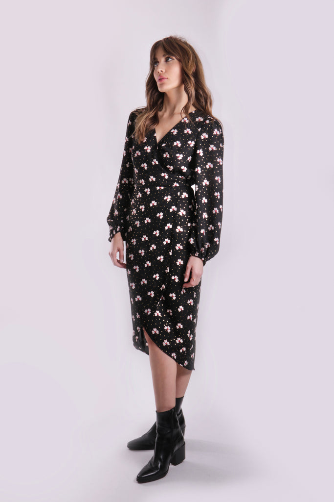 Traffic People Printed Shrimp Long Sleeve Wrap Dress Side View Image