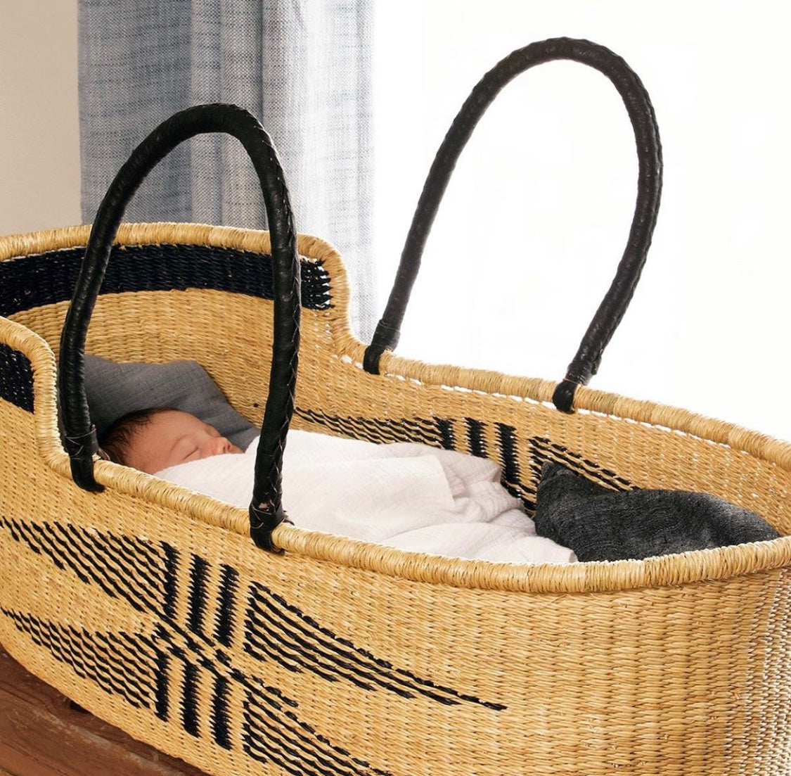 Angel Wings Moses Basket with Leather Handles - Black